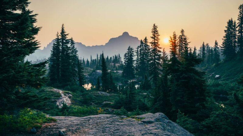 山の風景の画像 Unsplashより