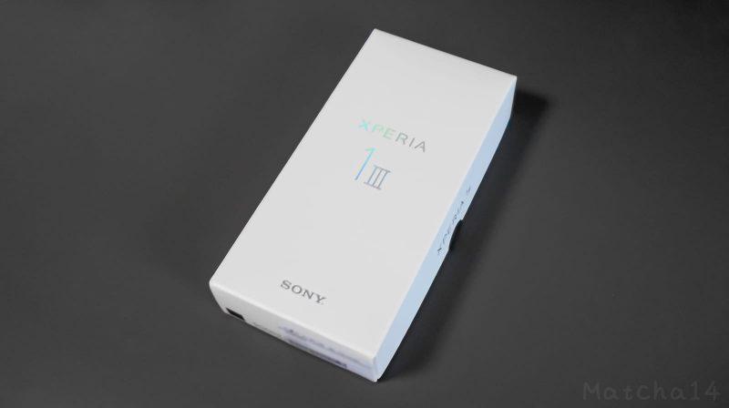 Xperia 1 IIIの外箱/正面